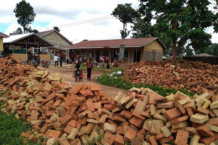 Einige der von der Gemeinde vorbereiteten Steine