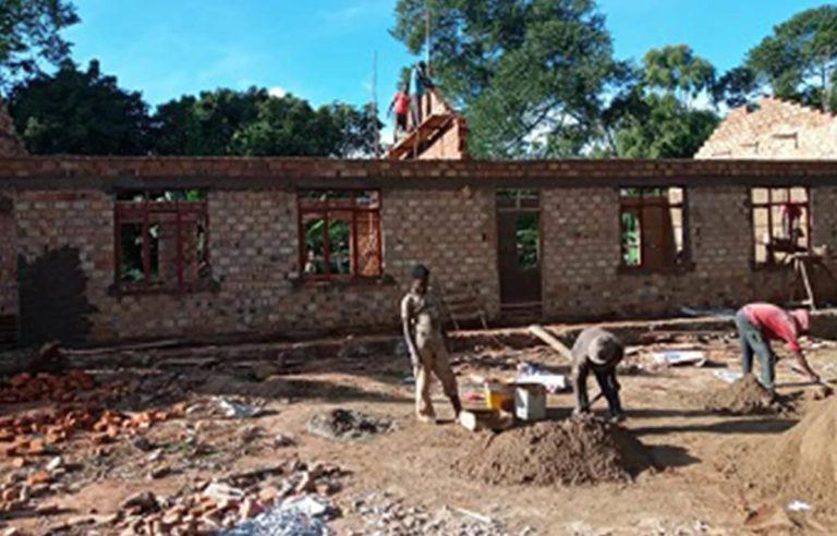 Das neue Schulgebäude entsteht